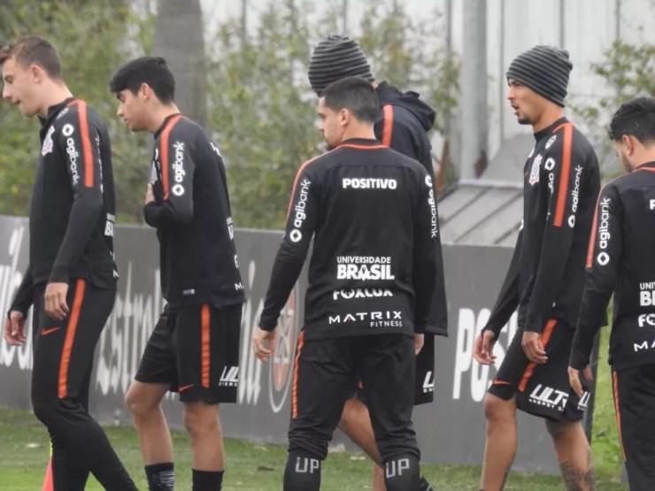 Treino do Corinthians contou com oito titulares de sábado (Foto: Marcelo Braga)