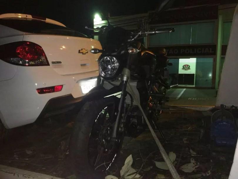 Segundo policiais, Cristian Cravinhos cogitou vender a moto para dividir o dinheiro com eles (Foto: Carlos Dias/G1)