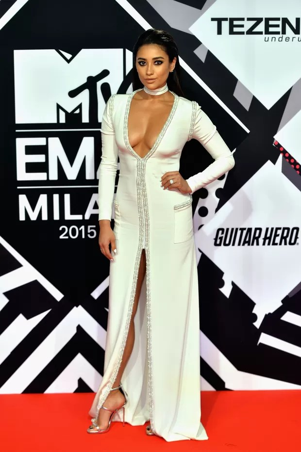 Shay Mitchell no MTV Europe Music Awards 2015 (Foto: Getty Images)