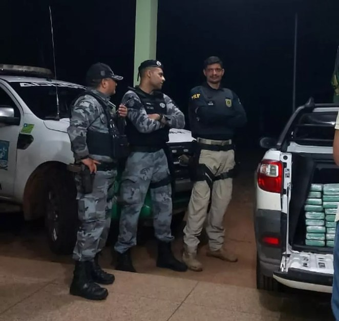 Apreensão foi realizada em conjunto pela Polícia Militar e PRF — Foto: Divulgação/Polícia Militar