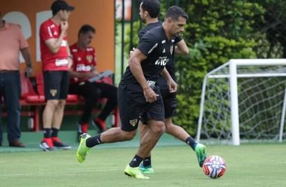 Diego Souza em treino do São Paulo — Foto: Rubens Chiri / saopaulofc.net
