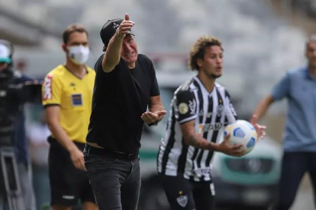 Cuca na partida Atlético-MG x Fortaleza — Foto: Atlético/Divulgação