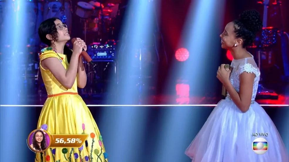 Helloysa do Pandeiro foi a escolhida pelo público para seguir no 'The Voice Kids'. — Foto: Reprodução/Globoplay