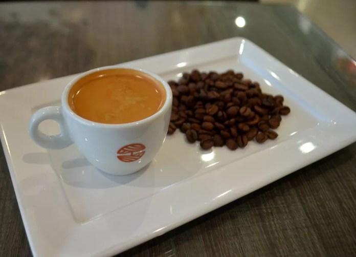 Estudo analisou os efeitos de um copo de café na gordura marrom em humanos — Foto: Ugor Feio/G1