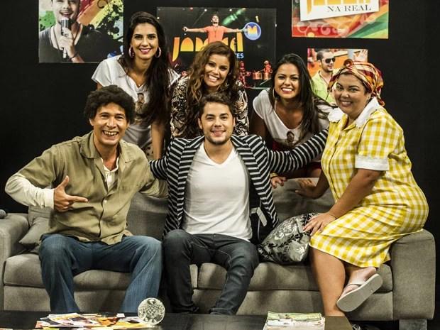 Jammil e Uma Noites marca presença no programa (Foto: TV Globo/Cynthia Salles)