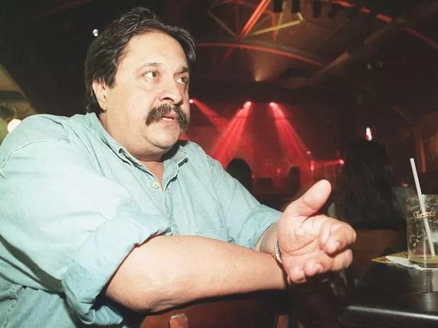 O diretor de televisão Roberto Talma durante entrevista em passagem pela TV Bandeirantes, em outubro de 1995.  (Foto: J. F. Diorio/Estadão Conteúdo)