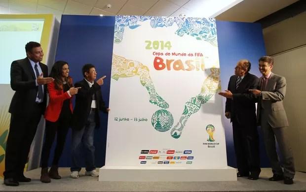apresentação pôster da copa do mundo 2014 (Foto: Agência Reuters)