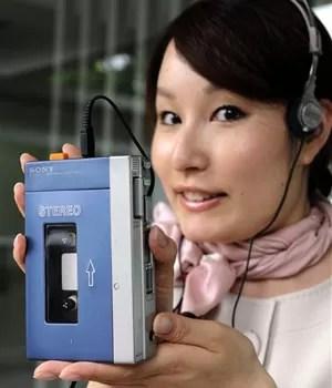 Walkman para fitas cassete (Foto: Yoshikazu Tsuno/AFP)
