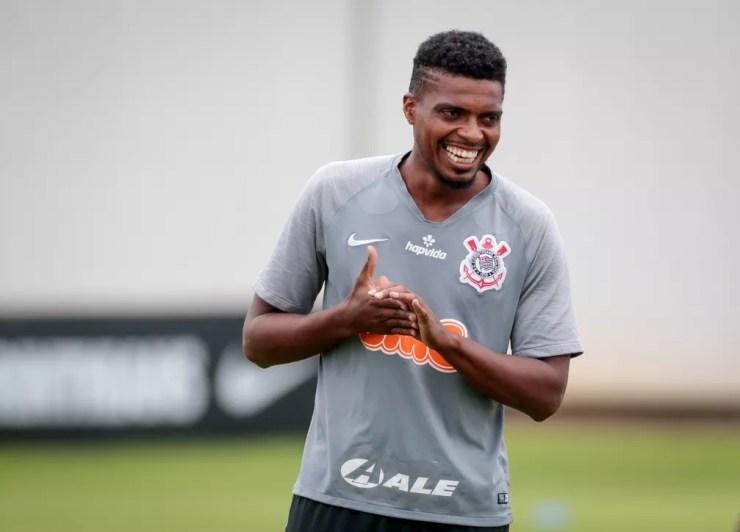 Jemerson, zagueiro do Corinthians no CT Joaquim Grava — Foto: Rodrigo Coca/Ag.Corinthians