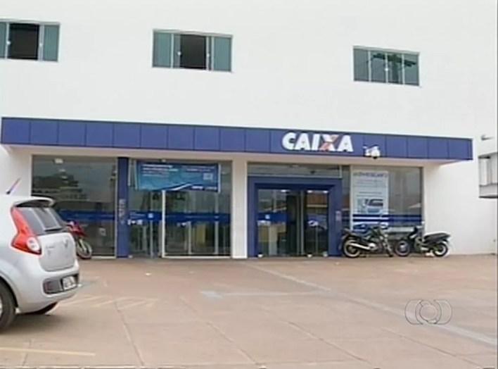 Crime foi cometido contra a Caixa Econômica Federal, na agência de Tocantinópolis — Foto: Reprodução/TV Anhanguera