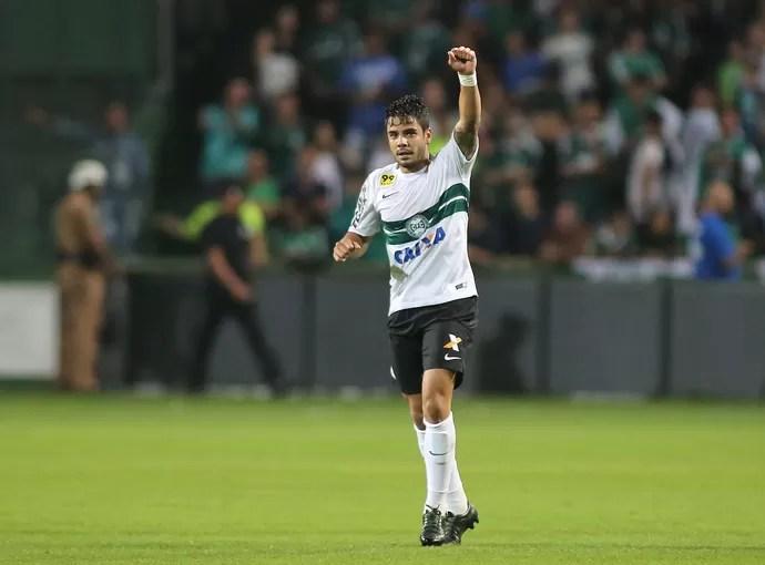 Coritiba Palmeiras Henrique Almeida (Foto: Giuliano Gomes/ Agência PR PRESS)