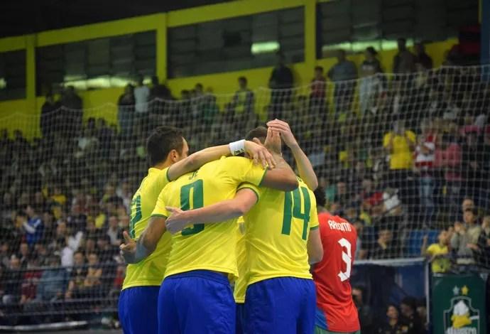 Brasil Ilhas Salomão amistoso futsal (Foto: Luis Domingues/CBFS)