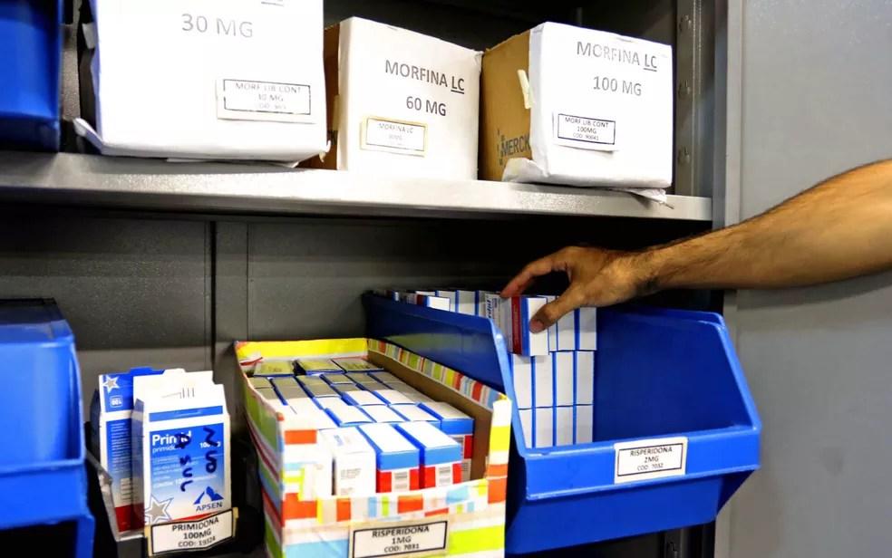 Remédios estocados em Farmácias de alto custo do Distrito Federal — Foto: Andre Borges/Agência Brasília