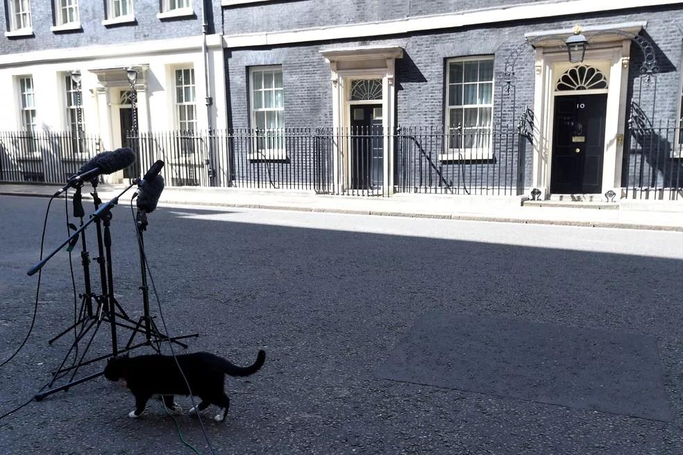 O nº10 de Downing Street, sede do governo britânico e residência do primeiro-ministro (Foto: Reuters)