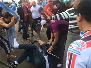 Homem foi agredido e teve ingresso roubado em Porto Alegre (Foto: Fábio Almeida/RBS TV)