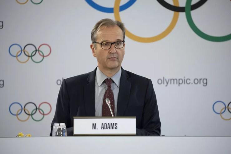 Porta-voz do COI, Mark Adams concedeu entrevista em Tóquio — Foto: IOC | Greg Martin