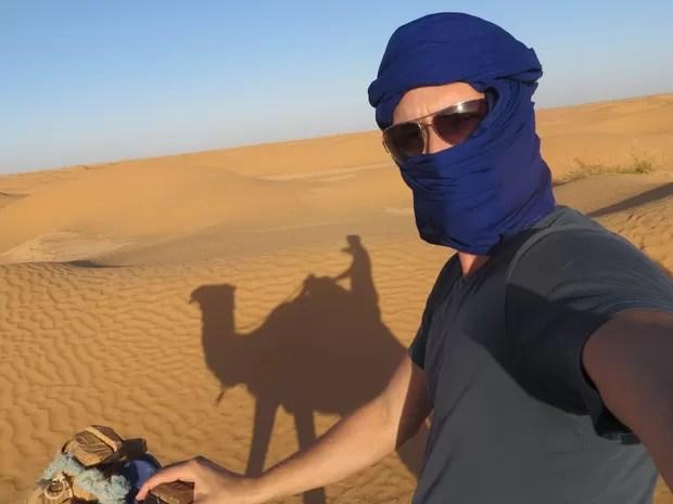 Igor Galli andou de camelo pelo deserto do Saara na Tunísia, Goiânia, Goiás (Foto: Arquivo Pessoal/Igor Galli)