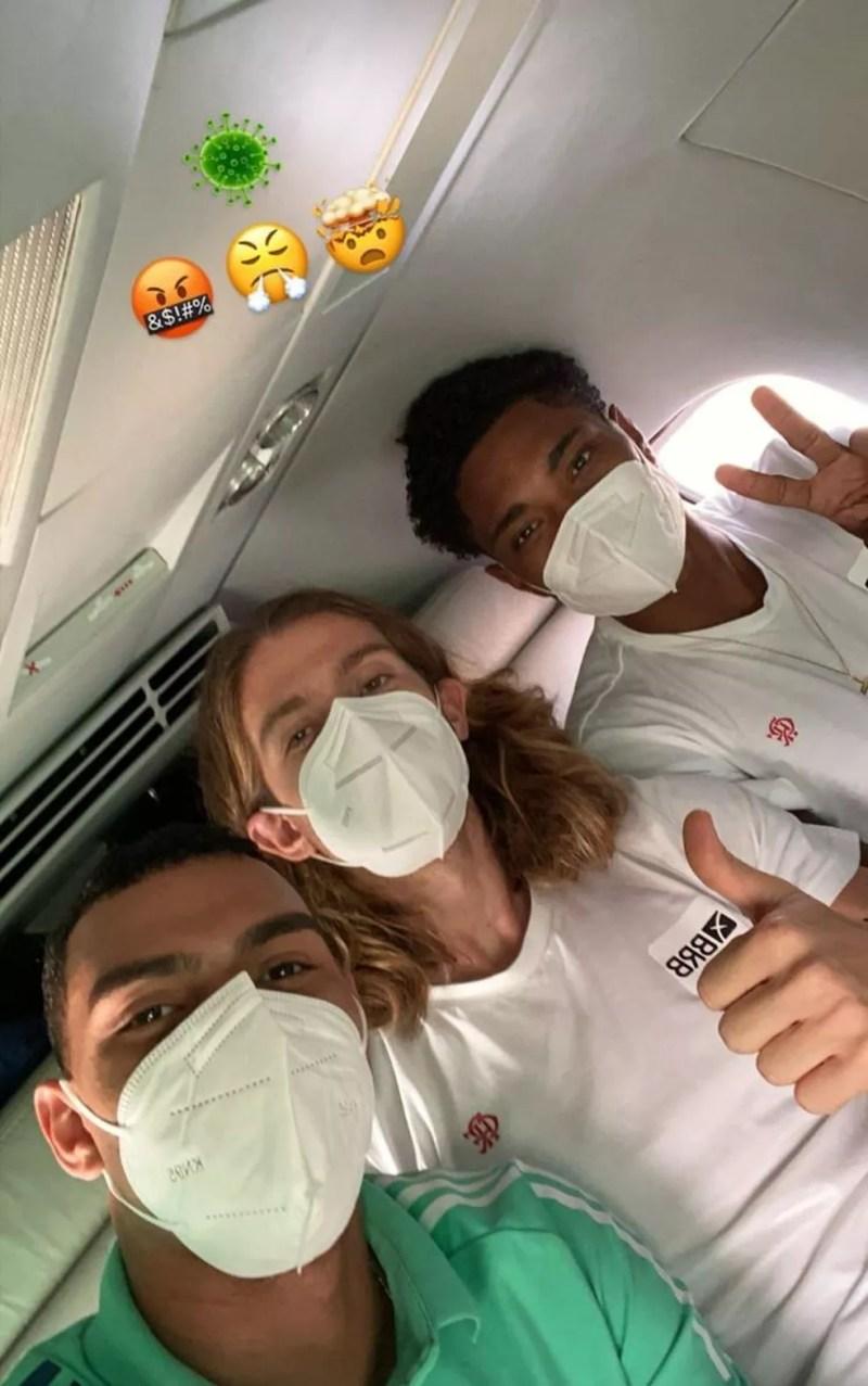 Filipe Luis, Matheuzinho e Vitinho - três dos que testaram positivo no Equador — Foto: Reprodução