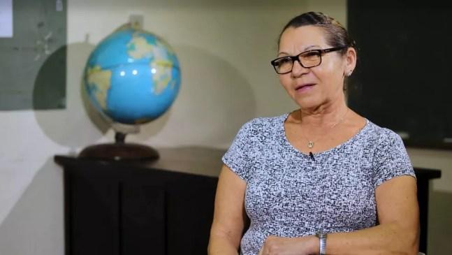 Maria José Penha estava nas aulas da EJA antes da pandemia, mas teve que interromper os estudos. — Foto: Gustavo Wanderley/TV Globo