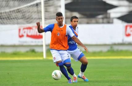 Raniel foi revelado pelo Santa Cruz, em 2014 — Foto: Aldo Carneiro / Pernambuco Press
