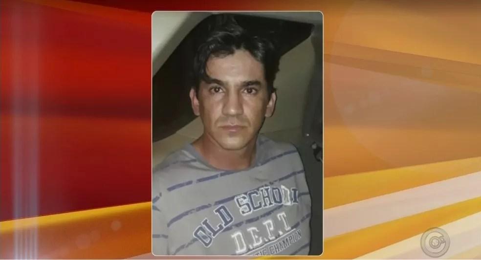 Jonathan Pereira do Prado estava foragido de penitenciária e confessou o latrocínio da jovem Kelly Cadamuro (Foto: Reprodução/TV TEM)