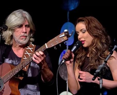 Liah Soares divide canção com Oswaldo Montenegro  (Foto: Jessica Andrade)