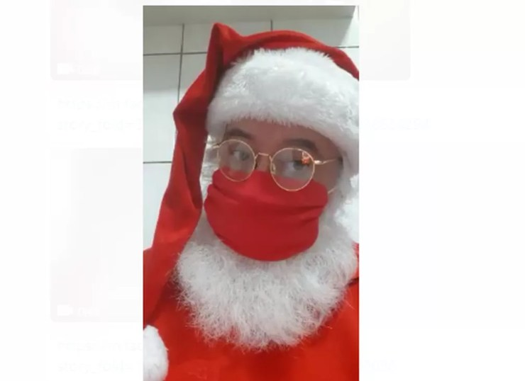 Papai Noel Gesualdo D'Avola Filho usa máscara durante quarentena da pandemia de coronavírus em São Paulo — Foto: Arquivo Pessoal