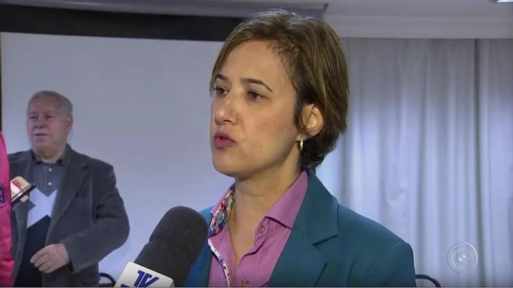 Jaqueline Coutinho vai acionar a Justiça para voltar ao gabinete no Paço Municipal (Foto: Reprodução/TV TEM)