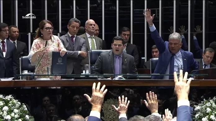 Senado suspende sessão e adia para este sábado escolha do presidente da Casa | Política | G1