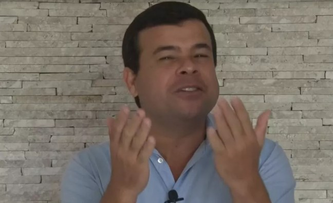 Celsinho Cotrim (PROS) no primeiro dia de propaganda eleitoral — Foto: Reprodução
