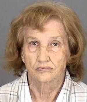 Mary Musselman foi presa após alimentar repetidamente ursos da região com ração para cachorro (Foto: Divulgação/Highlands County Jail)