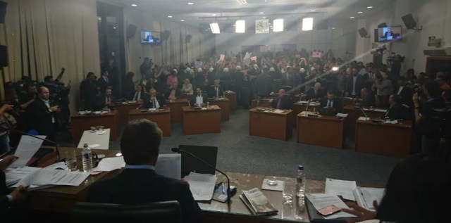 Após horas de votação, Câmara cassa mandato de José Crespo em Sorocaba (Foto: Eduardo Jr./G1)