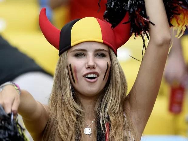 Axelle Despiegelaere foi clicada por várias fotógafos durante a Copa e virou musa belga (Foto: AFP)