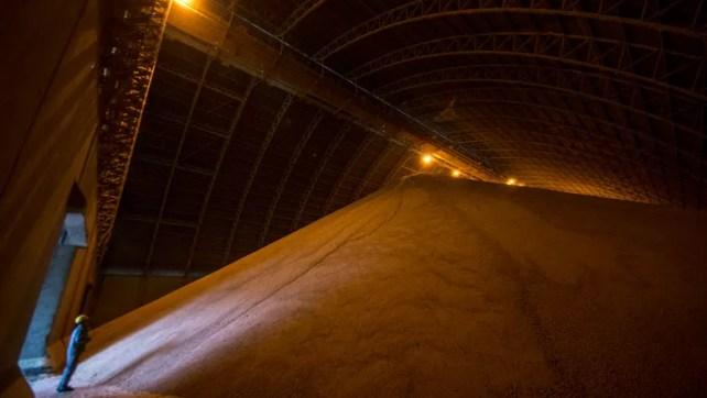 caminhos da safra - soja - porto - rodovia - máquinas agrícolas - bahia  (Foto: Fellipe Abreu/Editora Globo)
