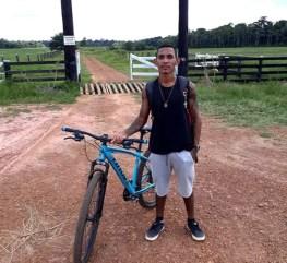 Thiago da Silva Santos tinha 22 anos e morreu atropelado durante racha em Porto Velho na sexta-feira (24).  — Foto: Reprodução/Instagram