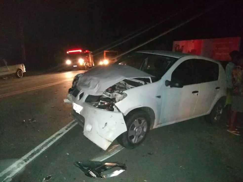 Ainda de acordo com a PRF,  o caso ocorreu no Km-813, por volta das 21h40. Ainda não há detalhes sobre as circunstâncias do acidente.  — Foto: Jitaúna em Dia