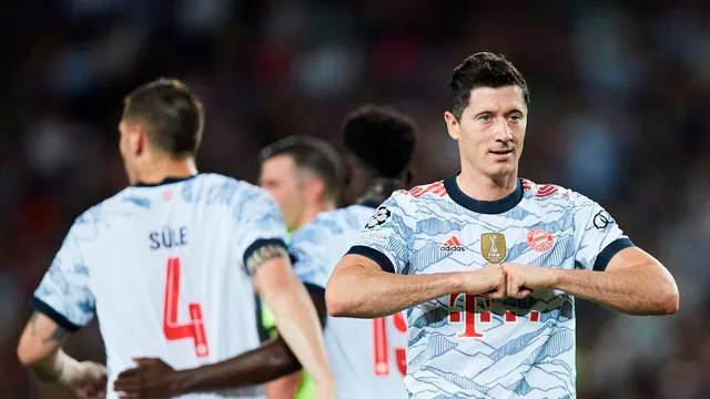 Lewandowski tem oito gols em cinco jogos pelo Bayern na temporada