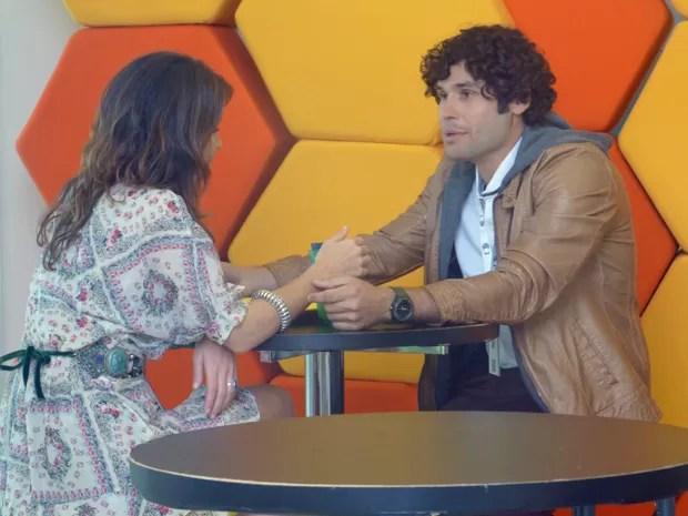Arthur investe em Manu (Foto: Geração Brasil/ TV Globo)