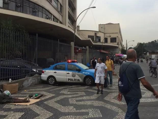 Policiamento estava reforçado um dia após morte de jovem  (Foto: Marcelo Elizardo/G1)