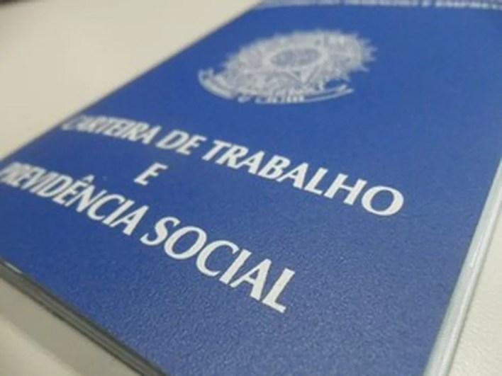 Por causa da pandemia, os atendimentos presenciais nas Agências do Trabalhador seguem o decreto de cada cidade.  — Foto: Janine Brasil/G1
