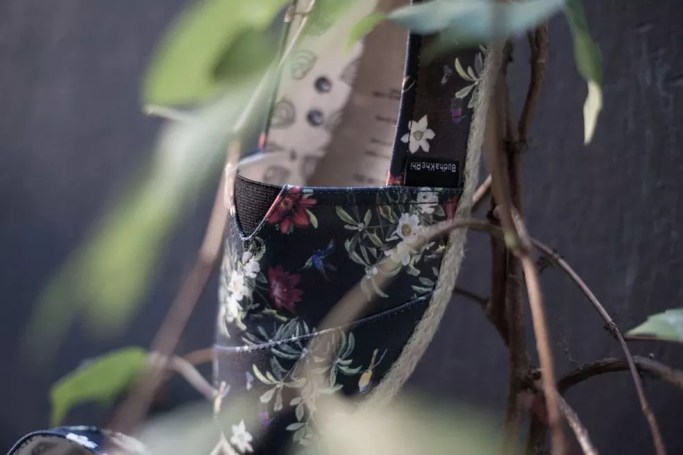 Sapato desenhado por Jéssica Duarte — Foto: Divulgação/Jéssica Duarte