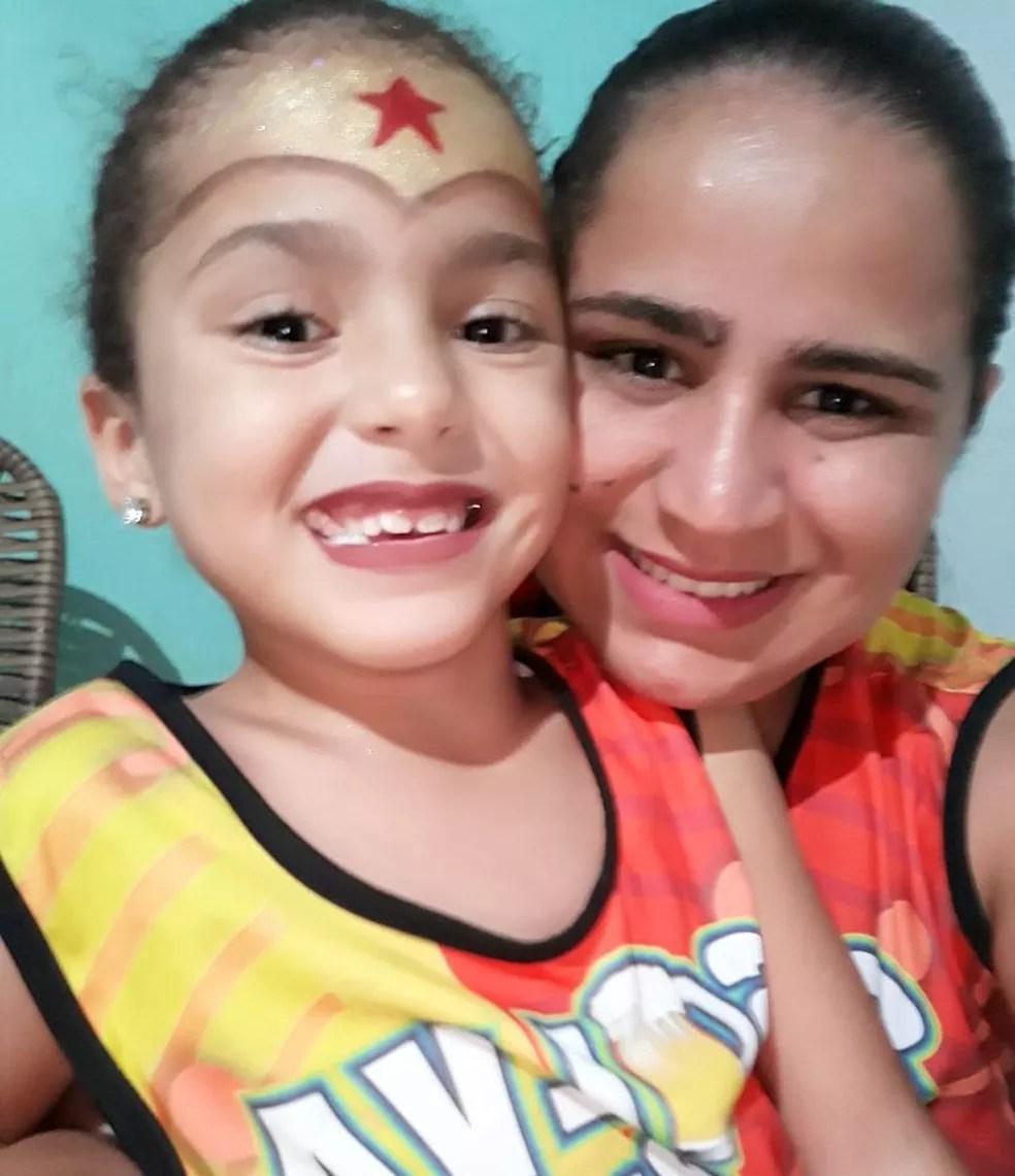 Sophya Alves e Jessyca Taline morreram em acidente na TO-222 (Foto: Arquivo Pessoal)