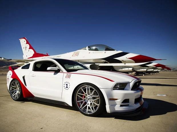 Mustang GT Thunderbirds tem motor 5.0 (Foto: Divulgação)