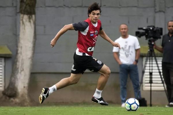Dodô também está pendurado diante do Vitória — Foto: Ivan Storti/Santos FC