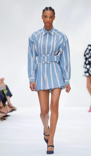Resultado de imagem para Graças a Wes Gordon, porém, não será mais preciso pegar emprestado uma camisa do armário do seu namorado para fazer de vestido.