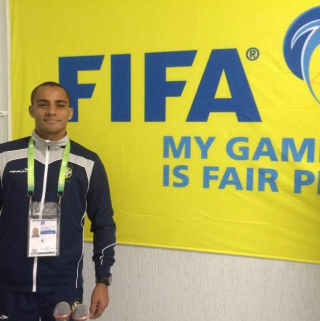 Árbitro de futebol Adilson Santos foi preso armado suspeito de ameaçar de morte a ex-mulher em Sorriso — Foto: Facebook