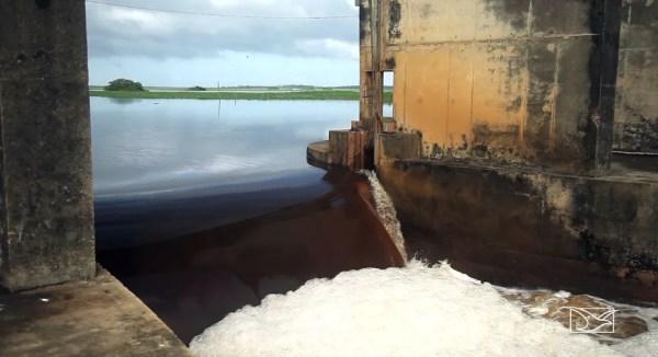 Rompimento da barragem do Rio Pericumã foi registrada em fevereiro deste ano. — Foto: Reprodução/ TV Mirante