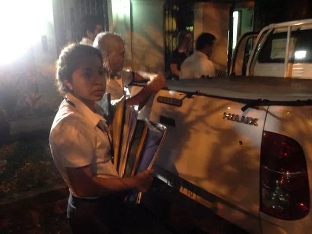Documentos são levados da casa de Abdelmassih (Foto: Glauco Araújo/G1)