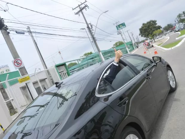 Paul chegou ao estado nesta manhã e seguiu para hotel em Vitória (Foto: Marcelo Prest)