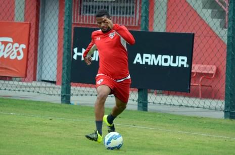 Reinaldo defendeu o São Paulo de 2013 a 2015 (Foto: Érico Leonan / saopaulofc.net)